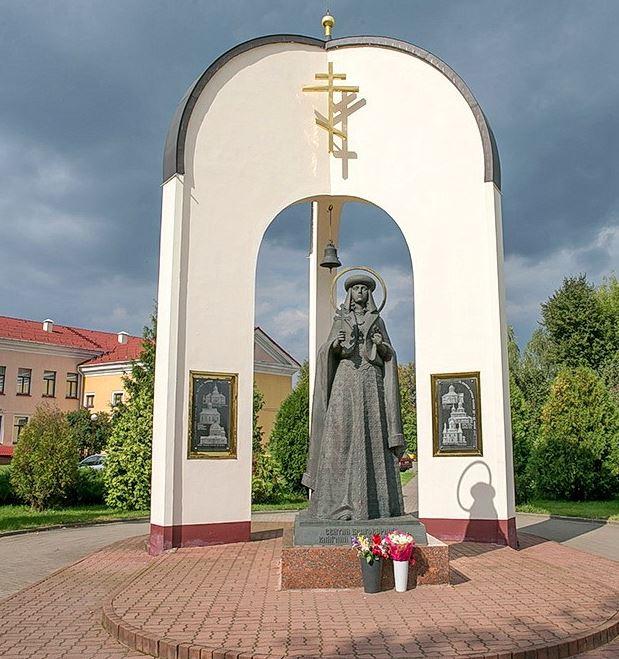 памятник в Слуцке
