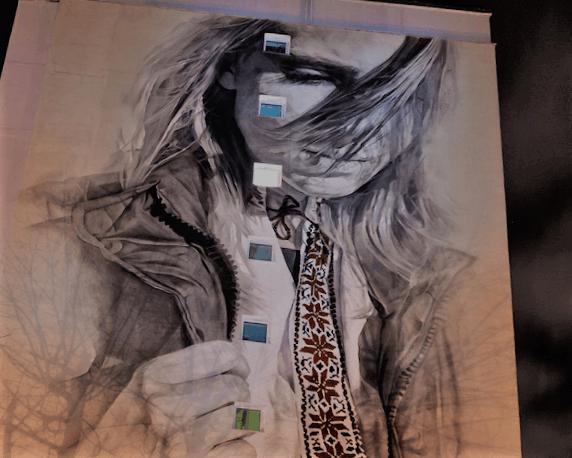 Девушка в вышиванке, автор анг. уличный художник Гвидо ван Хелтен, Рабкоровская, 15